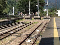 横川まで30分あまりだが、多くの高校生が安中で下車していく。