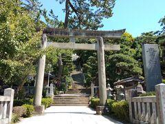 帰りは尾根でなく海沿いを走ります。途中にある貴船神社。