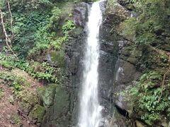 真鶴半島を後にし、湯河原へ。まだチェックインタイムまで少しあるので、不動滝まで行ってみました。