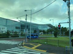 途中、第3ターミナルに寄ってから第2ターミナルへ向かいます。