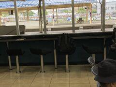 用も無いのに待合室を覗いて・・釧路駅良い感じですね