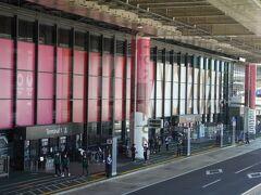 久しぶりの成田空港 オリンピックムード満点
