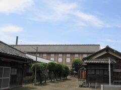 暑かったので アイスでも食べよっかなぁと 富岡製糸場の近くへ