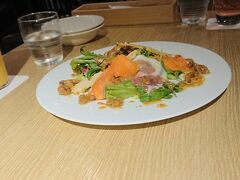 JR京都駅近くのホテルに宿泊。 2食付きのプランが格安でした。