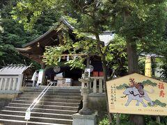 朝ガッツリ食べたのでランチは後にして足羽山(あすわ)へ。  ココは絶対に来たいと思っていた毛谷黒龍神社です。