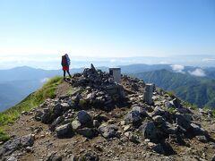 大朝日岳(標高1870m)に登頂♪日本百名山の99座目。