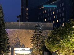 昔住んでいた周辺を通った後、中島公園へ。 たぶん、札幌パークホテルとグランドホテルが昔からあったホテルだと思います。 (適当な記憶で違っていたらすみません。)