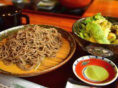 上高地バスターミナルにある、 上高地食堂でお昼を 上高地食堂おすすめ信州松本奈川の手打ち蕎麦 このキャッチフレーズに誘われ、 手打ち蕎麦定食を