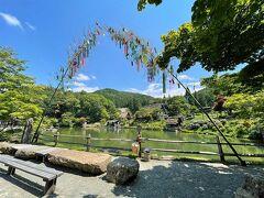 そして、たいした渋滞もなく、 飛騨高山に到着。   「飛騨の里」へ。 七夕飾りがお出迎え。