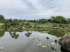 細川幽斎様のお孫さん、忠利様が作ったお庭。雅なことはわからないけど、尖った丘とか見てると何かこだわりがあったんだろうなって気はする。