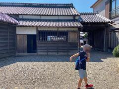 佐原は伊能忠敬の出身地らしい。 ここは伊能忠敬の生家。 記念館もあったけど、有料だったので入らなかった。