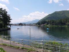 白馬に移動します。  その途中で、普段は国道からちらっと見えている仁科三湖を通ってみました。  木崎湖です。