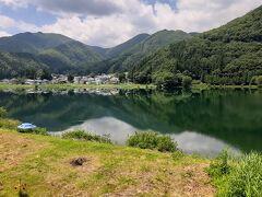 こちらは中綱湖。  静かなで落ち着いた感じはココが一番でした。