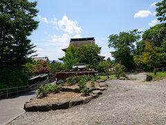 湯福神社から少し坂を下ると善光寺の裏に出ます。