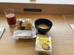 DPラウンジで朝ごはん。 今日から福岡も再び禁酒令。