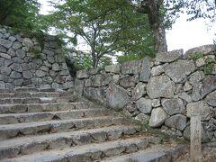 せっかくなので、城の石段を上ってみます。