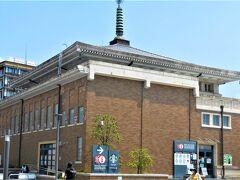 旧駅舎---. 現在でも残ってるのが凄いです(*'ω`*)?