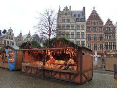 グローテ・マルクトのクリスマスマーケット  この広場の屋台はシャレースタイル