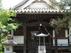 途中にある『善福寺』にも立ち寄ります。  正直、あまりの暑さに「立ち寄っている場合ではない」ような気がします。