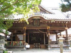 隣の『八雲神社』にも立ち寄ります。 老人のくせに、いいかげんにしておくべきですよ。