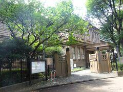 東京音楽学校(芸大の前身)の校舎として明治23年5月に建築されました。 奏楽堂全体(重文)