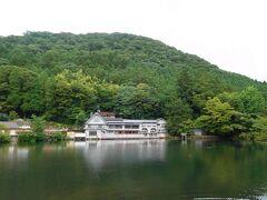 湖畔の建物は「ペンション金鱗湖 豊の国」で、「洋灯舎(ランプシャ)」というレストランが併設されているようです。時間があれば訪れたかったです。