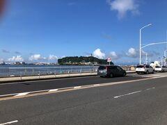 江ノ島は車の入場制限が始まっている模様でした。