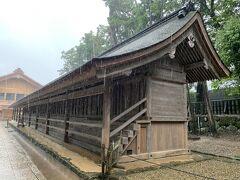 こちらはさっきの東十九門と対称の位置にある西十九門。 ここも神様のお宿。