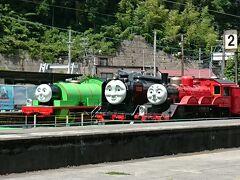 千頭駅 トーマスは休みの日でしたが、並んでました。