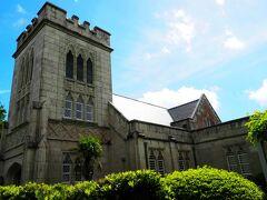 234番館の隣には横浜山手西洋館聖公会。