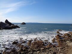 海の向こうに見えるのは粟島です.お天気にも恵まれ,家族一同とても喜んでいました.