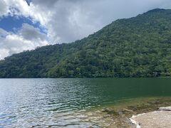 蕎麦を食べた後、いろは坂を越えて中禅寺湖、ではなく湯ノ湖まで足を伸ばした。標高1400mは流石に伊達じゃない涼しさ。