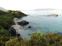 到着~。 まだ日が高くないんで海の色がそれほど青くない。けど水のきれいさはわかります。