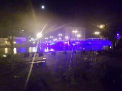 店を出るとすぐに幣舞橋があった。 夜に幣舞橋を見るのは初めてだった。きれいにライトアップされていた。  後は歩いて宿まで戻って寝る。