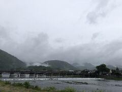 雨の嵐山も悪くはありません。