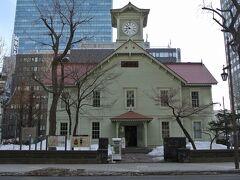 時計台(旧札幌農学校演武場)は中に入ったことがなかったので、200円払って入場します。ちょうど鐘の音が聞こえました。