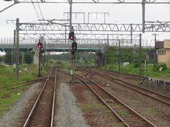 2021.07.23 岩見沢ゆき普通列車車内 沼ノ端から千歳線と別れる。こちらが本線なのに信号機下なのね…