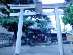 近くの宇多須神社に行く手前に菅原神社という小さな神社があり。 参拝して来ました。 ここは、東茶屋街の守護神との事です。