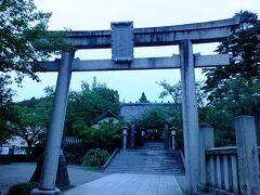 そして向に有る宇多須神社に参拝します。