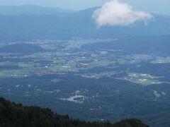 1時間歩いて北横岳、39年ぶり 眼下に蓼科湖