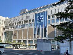 AM7:10札幌駅到着。レンタカー屋が開くAM8:00まで札幌駅周辺散策します。