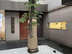 ちょいと私の好きな北海道土産の六花亭本店に寄りました。