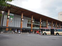 立派な長野駅を通って、ホテルへ移動。