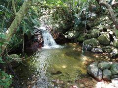 """すぐ近くにはこんな""""滝""""もあります。石碑から徒歩1分。"""