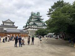 しっかりと名古屋城の雄姿も見ていきます。