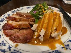 ホテルはルームサービスも始めていたが、夕食は直ぐ近くの重慶茶樓本店で。  飲茶(前菜ほか8品)コースを注文
