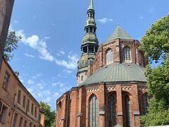 聖ペテロ教会 リガのランドマーク的な存在の教会で高さ123mの特徴的な尖塔がそびえる教会