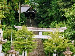 バス停の後ろには住吉神社 ちはやふる等のロケ地にもなっているそうです。