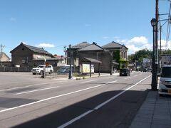 中央通りから今度は南方向へ堺町通りに進みます。
