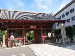 護国寺の山門かな? 地名としては知っていたけど、来るのは初めて。すごい立派なお寺でした。